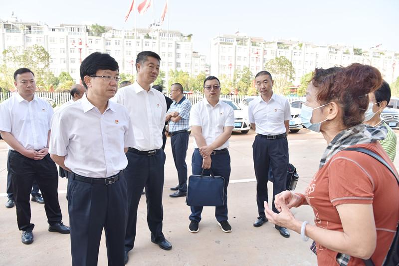 杨斌:坚持以人民为中心 着力化解信访积案 切实维护群众合法权益