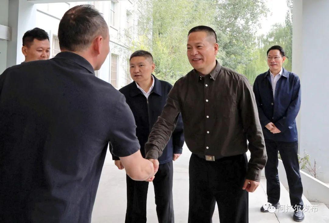 卢跃东赴浙江省援疆指挥部看望慰问援疆干部